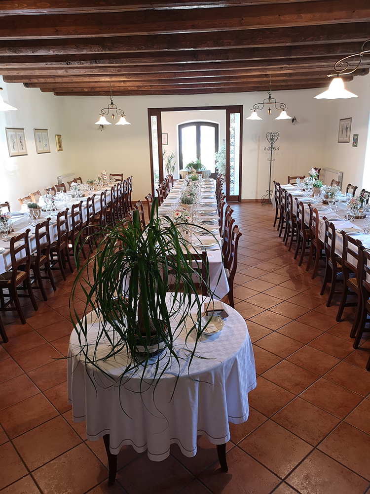 interni-ristorante-fattoria-di-cignano-camerino-4